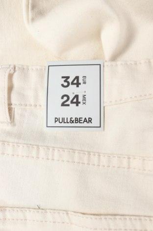 Дамски дънки Pull&Bear, Размер XS, Цвят Бежов, 42% памук, 31% полиестер, 25% вискоза, 2% еластан, Цена 33,32лв.