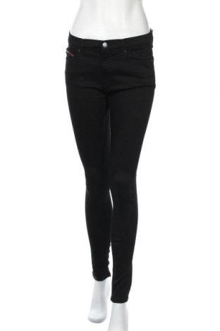 Дамски дънки Tommy Hilfiger, Размер M, Цвят Черен, 90% памук, 8% полиакрил, 2% еластан, Цена 113,40лв.