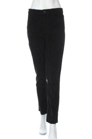 Дамски джинси ONLY, Размер M, Цвят Черен, 98% памук, 2% еластан, Цена 31,27лв.