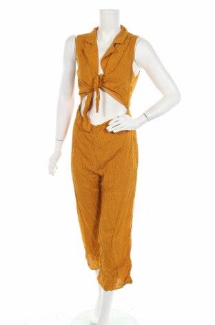 Дамски гащеризон Honey Punch, Размер M, Цвят Жълт, Вискоза, Цена 16,17лв.