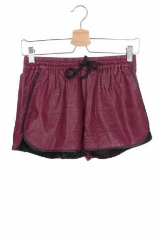 Дамски къс кожен панталон Silvian Heach, Размер XS, Цвят Лилав, Еко кожа, Цена 57,00лв.