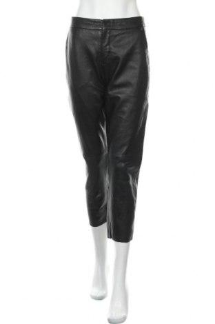 Дамски кожен панталон Pepe Jeans, Размер L, Цвят Черен, Еко кожа, Цена 62,70лв.