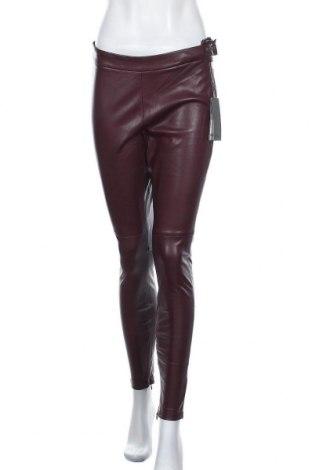 Дамски кожен панталон S.Oliver, Размер M, Цвят Лилав, Еко кожа, Цена 59,50лв.