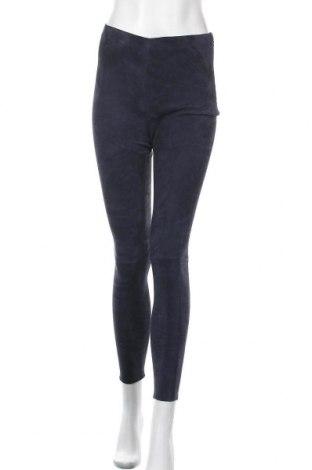Дамски кожен панталон STUDIO ID, Размер S, Цвят Син, Естествен велур, Цена 75,62лв.