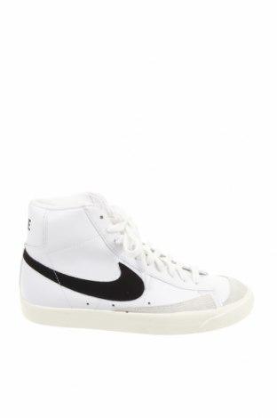 Дамски обувки Nike, Размер 40, Цвят Бял, Естествена кожа, естествен велур, еко кожа, Цена 113,40лв.