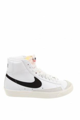 Дамски обувки Nike, Размер 38, Цвят Бял, Естествена кожа, естествен велур, еко кожа, Цена 113,40лв.
