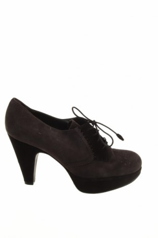 Γυναικεία παπούτσια Stuart Weitzman, Μέγεθος 39, Χρώμα Γκρί, Φυσικό σουέτ, Τιμή 71,92€