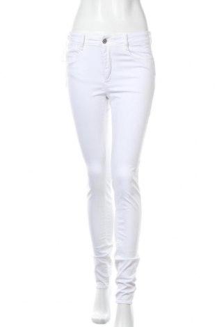 Дамски панталон Le Temps Des Cerises, Размер M, Цвят Бял, 98% памук, 2% еластан, Цена 24,92лв.