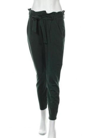 Дамски панталон Vero Moda, Размер L, Цвят Зелен, 65% вискоза, 30% полиамид, 5% еластан, Цена 42,00лв.