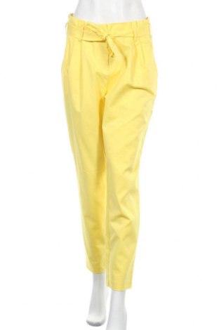 Дамски панталон Vila, Размер M, Цвят Жълт, 60% памук, 35% полиамид, 5% еластан, Цена 44,25лв.