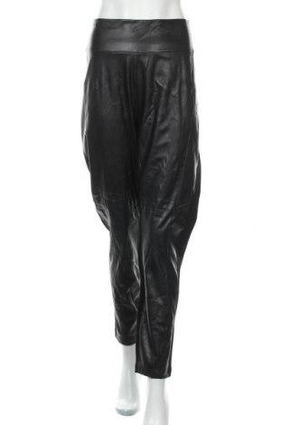 Дамски панталон Wayne Cooper, Размер 3XL, Цвят Черен, Еко кожа, полиестер, Цена 37,80лв.