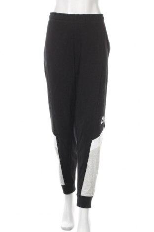 Дамско спортно долнище Nike, Размер XL, Цвят Черен, Цена 74,25лв.