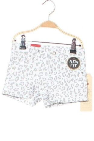 Детски къс панталон Levi's, Размер 3-4y/ 104-110 см, Цвят Бял, 98% памук, 2% еластан, Цена 31,85лв.