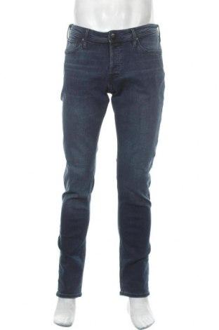 Мъжки дънки Jack & Jones, Размер L, Цвят Син, 70% памук, 28% полиестер, 2% еластан, Цена 51,75лв.