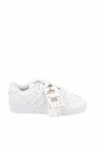 Мъжки обувки Adidas Originals, Размер 40, Цвят Бял, Естествена кожа, еко кожа, Цена 68,02лв.