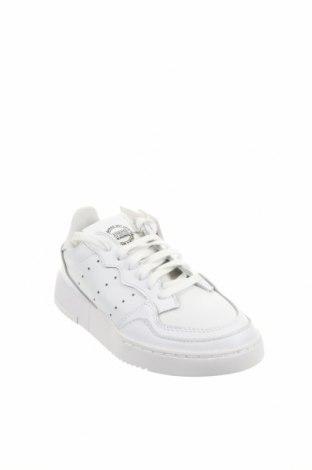 Мъжки обувки Adidas Originals, Размер 36, Цвят Бял, Естествена кожа, Цена 107,40лв.