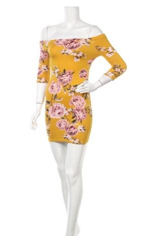 Φόρεμα Charlotte Russe, Μέγεθος S, Χρώμα Κίτρινο, Τιμή 12,70€