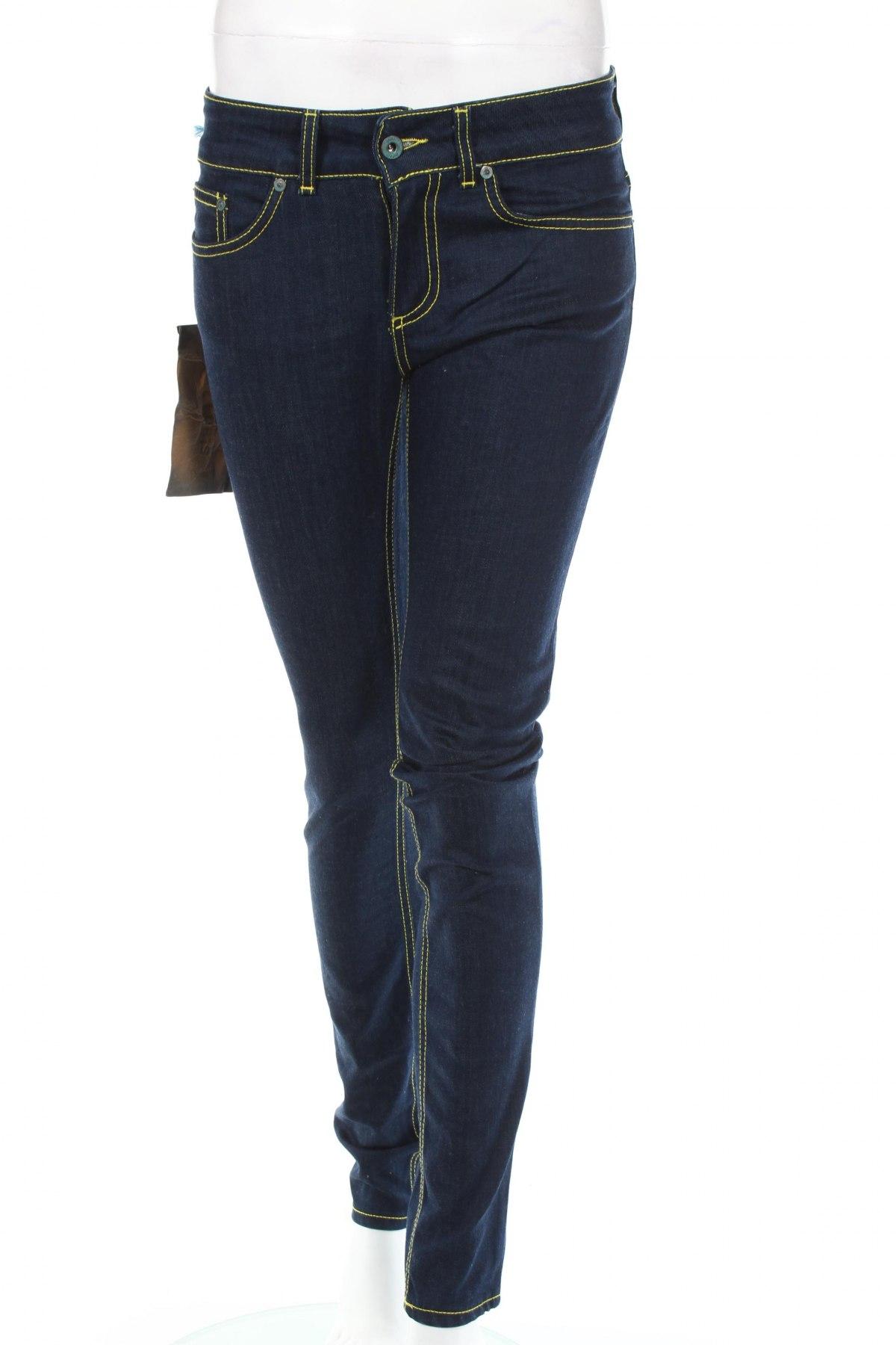 Дамски дънки Dondup, Размер S, Цвят Син, 98% памук, 2% еластан, Цена 130,00лв.