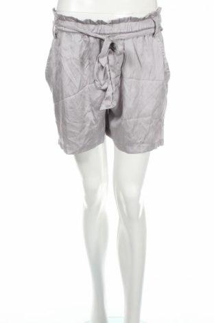 Dámske kraťasy  H&M L.o.g.g, Veľkosť L, Farba Sivá, 53% polyester, 47% viskóza, Cena  5,96€