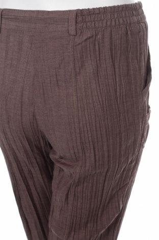 Дамски панталон Scottage, Размер M, Цвят Кафяв, 69% полиестер, 31% вискоза, Цена 11,10лв.