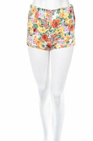 Дамски къс панталон Bershka
