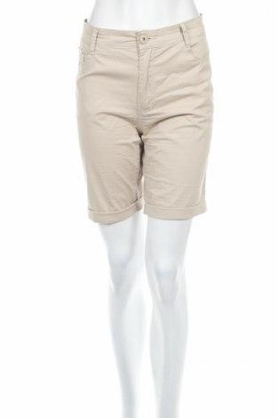Дамски къс панталон H&D