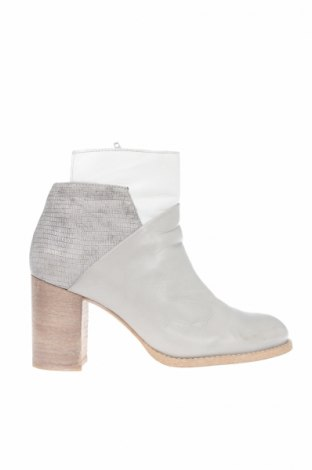 Дамски обувки Lazamani