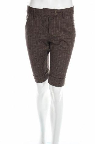 Γυναικείο κοντό παντελόνι Essentiel, Μέγεθος S, Χρώμα Πράσινο, 97% βαμβάκι, 3% ελαστάνη, Τιμή 3,13€