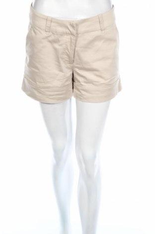 Дамски къс панталон H&M, Размер M, Цвят Бежов, 97% памук, 34% еластан, Цена 13,03лв.