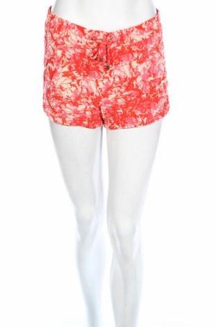 Дамски къс панталон Vero Moda, Размер M, Цвят Многоцветен, Вискоза, Цена 12,26лв.