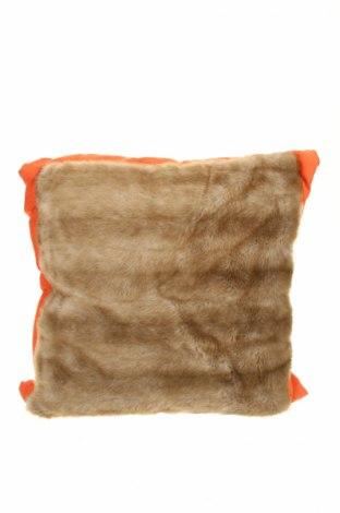 Декоративна възглавница, Цвят Бежов, Текстил, пера, Цена 37,74лв.