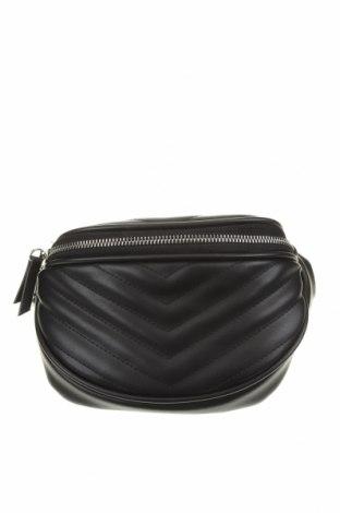 Чанта за кръст Bershka, Цвят Черен, Еко кожа, Цена 18,75лв.