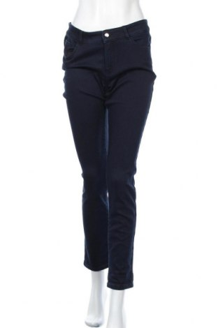 Дамски дънки Christian Berg, Размер M, Цвят Син, 72% памук, 26% полиестер, 2% еластан, Цена 57,00лв.