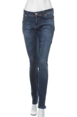 Γυναικείο Τζίν Diesel, Μέγεθος M, Χρώμα Μπλέ, Τιμή 32,02€