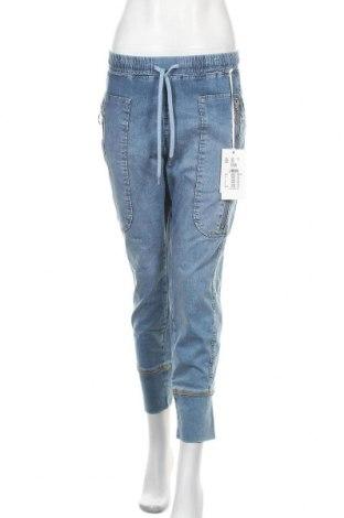 Дамски дънки Mac, Размер L, Цвят Син, 90% памук, 7% полиестер, 3% еластан, Цена 91,50лв.