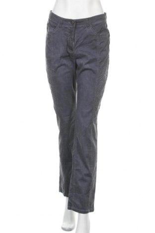 Дамски дънки Paola, Размер M, Цвят Син, 98% памук, 2% еластан, Цена 8,82лв.