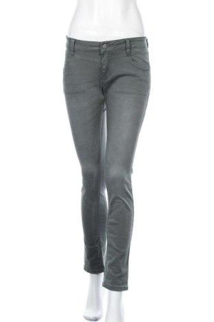Дамски дънки S.Oliver, Размер S, Цвят Зелен, 98% памук, 2% еластан, Цена 18,95лв.