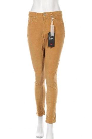Дамски джинси Levi's, Размер L, Цвят Жълт, 98% памук, 2% еластан, Цена 86,10лв.