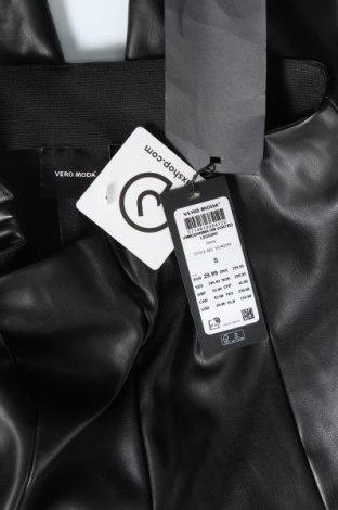Дамски кожен клин Vero Moda, Размер S, Цвят Черен, Еко кожа, Цена 39,00лв.