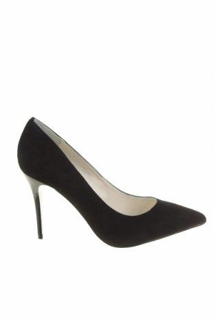 Дамски обувки Buffalo, Размер 40, Цвят Черен, Естествен велур, Цена 22,44лв.