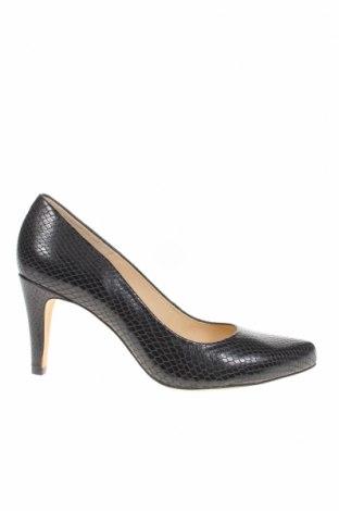 Дамски обувки Clarks, Размер 39, Цвят Черен, Естествена кожа, Цена 46,08лв.
