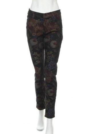 Дамски панталон Christian Berg, Размер M, Цвят Черен, 76% памук, 22% полиестер, 2% еластан, Цена 27,65лв.