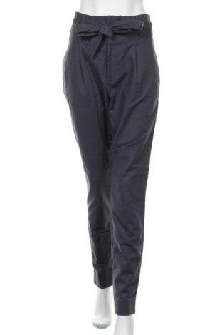 Дамски панталон Essential by Noa Noa, Размер L, Цвят Син, 97% памук, 3% еластан, Цена 33,75лв.