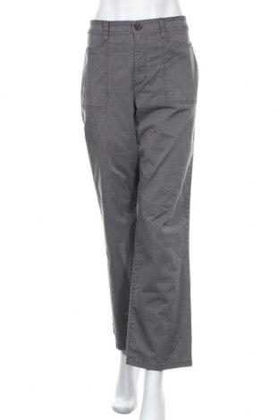 Дамски панталон Relativity, Размер L, Цвят Сив, 64% памук, 33% полиестер, 3% еластан, Цена 8,23лв.