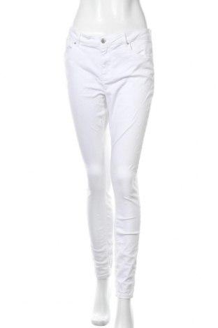 Дамски панталон Vero Moda, Размер L, Цвят Бял, 97% памук, 3% еластан, Цена 18,91лв.