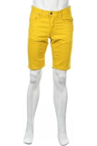 Мъжки къс панталон WE, Размер M, Цвят Жълт, 98% памук, 2% еластан, Цена 26,46лв.