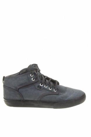 Мъжки обувки Globe, Размер 42, Цвят Син, Естествен велур, Цена 71,40лв.