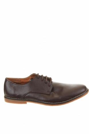 Мъжки обувки Lee Cooper, Размер 43, Цвят Кафяв, Еко кожа, Цена 33,60лв.