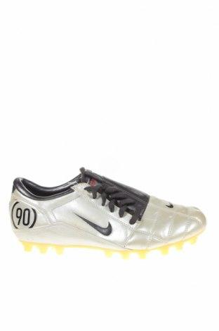 Мъжки обувки Nike, Размер 42, Цвят Екрю, Еко кожа, Цена 49,35лв.