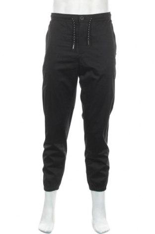 Мъжки панталон Armani Exchange, Размер M, Цвят Черен, 98% памук, 2% еластан, Цена 89,57лв.